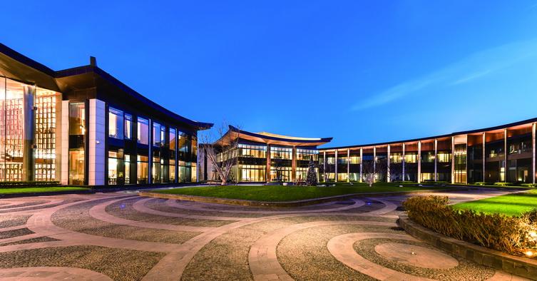 开封建业铂尔曼酒店