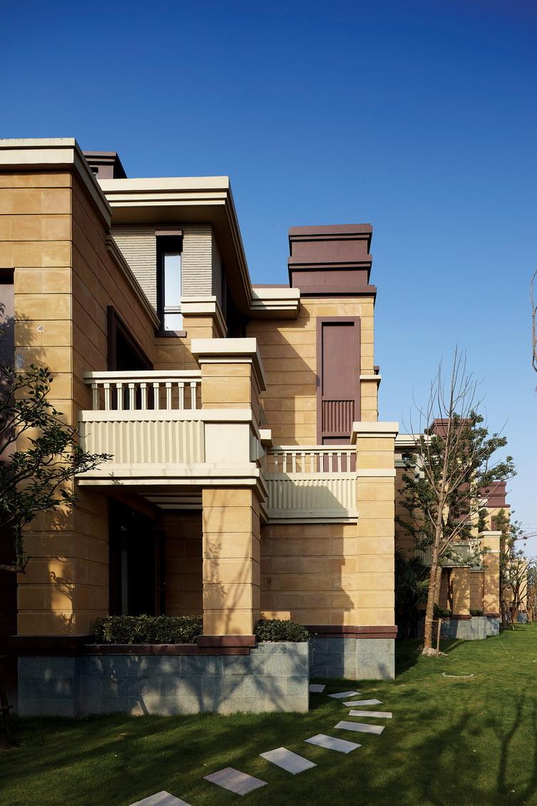 底层可做铺面二层别墅设计