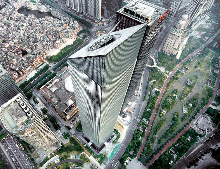 利通广场建筑设计   项目采用了十大先进节能环保措施,如遮阳节能系统