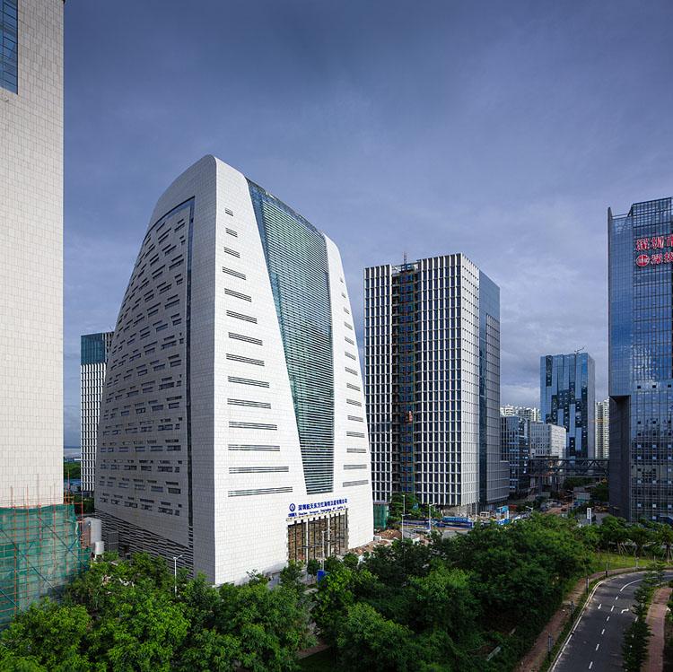 成功案例 > 深圳卫星大厦建筑设计   生产区设置在建筑底部,装配区和