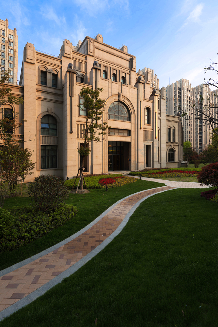 上海三益建筑设计>上海格子香奈在CAD远洋线绘制图片