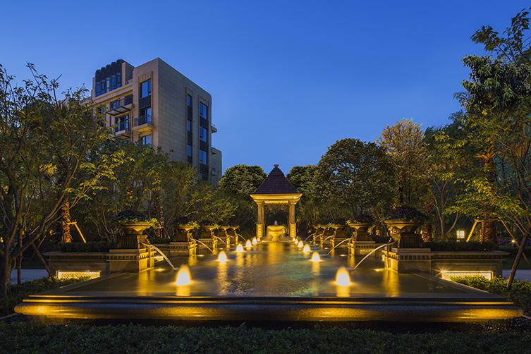 11景观喷泉夜景.jpg
