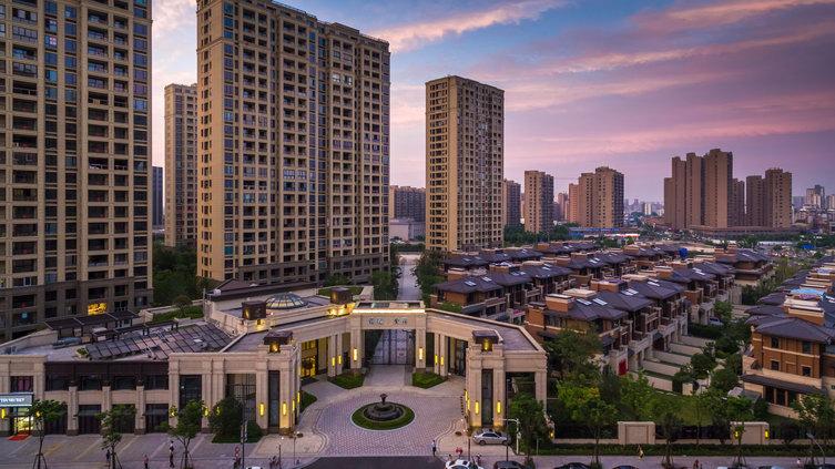 景观设计:奥雅设计上海公司 建筑设计:dc国际 银亿东岸位于宁波市江东