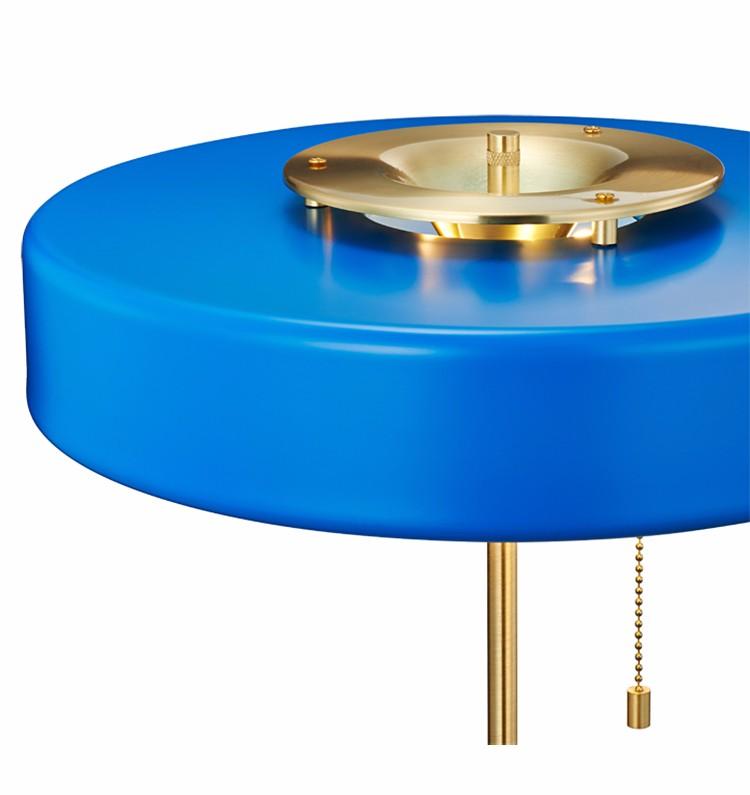 亚光蓝色现代艺术圆形台灯