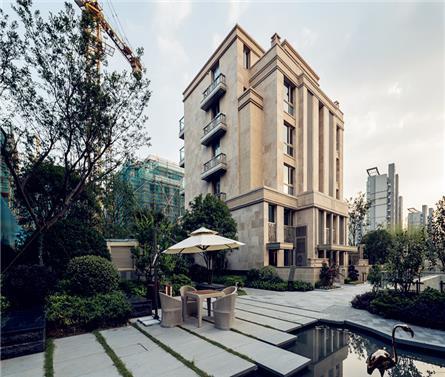 上海嘉宝前滩后院