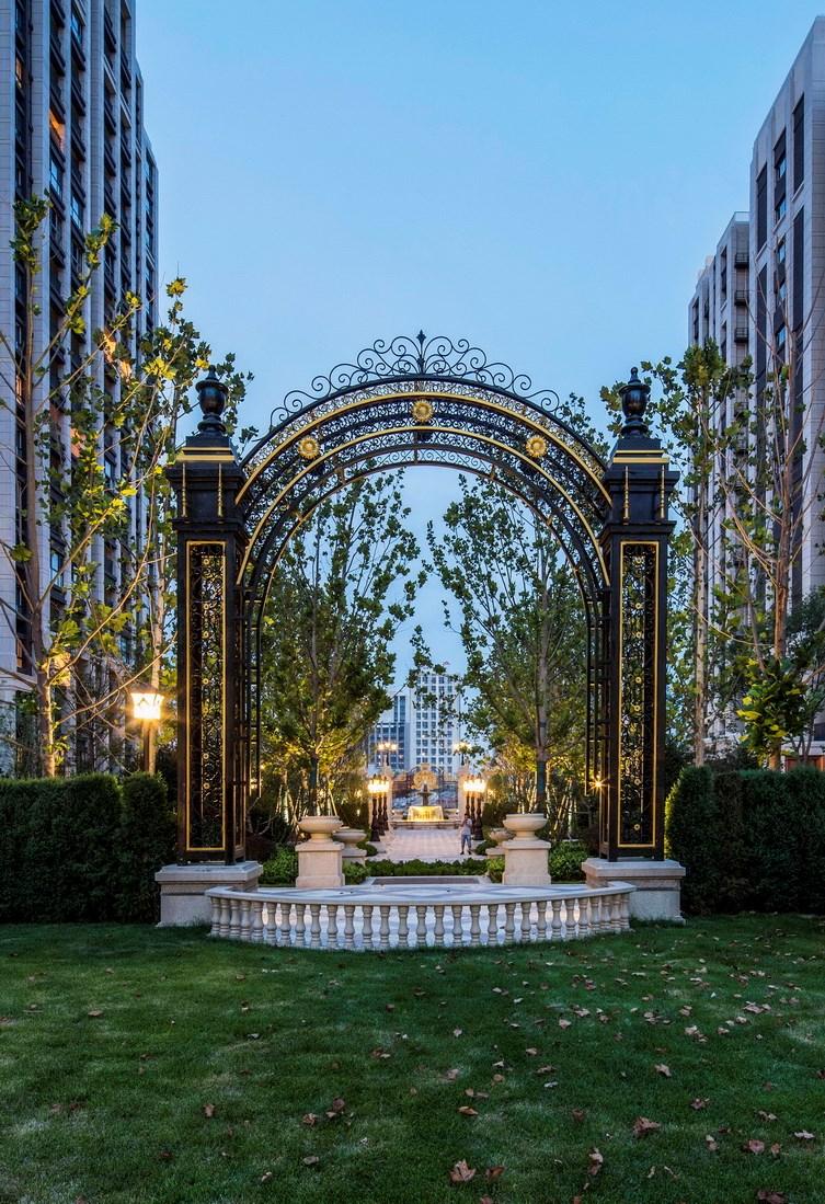 拥有风景园林工程设计专项甲级,业务范围:住宅及社区设计,酒店及度假