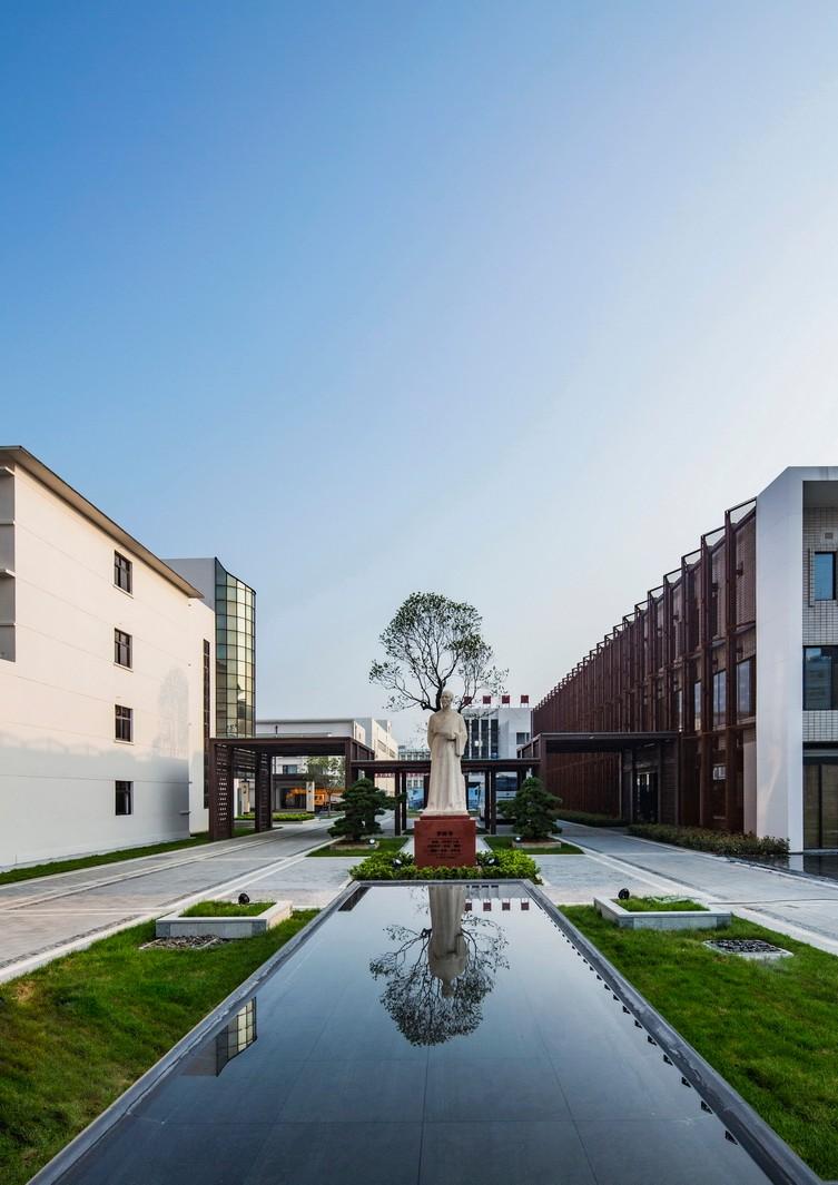 业务范围:住宅及社区设计 酒店及度假设计,养老地产及产业园区设计图片