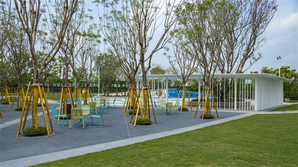 15林下休憩空间,同时也是示范区的室外洽谈空间.jpg