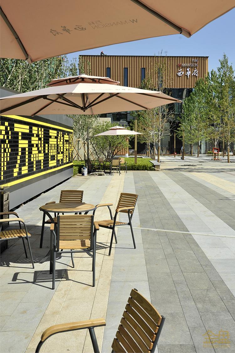 广场趣味墙2.jpg