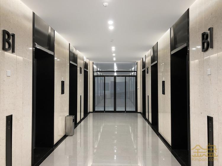 电梯厅.jpg