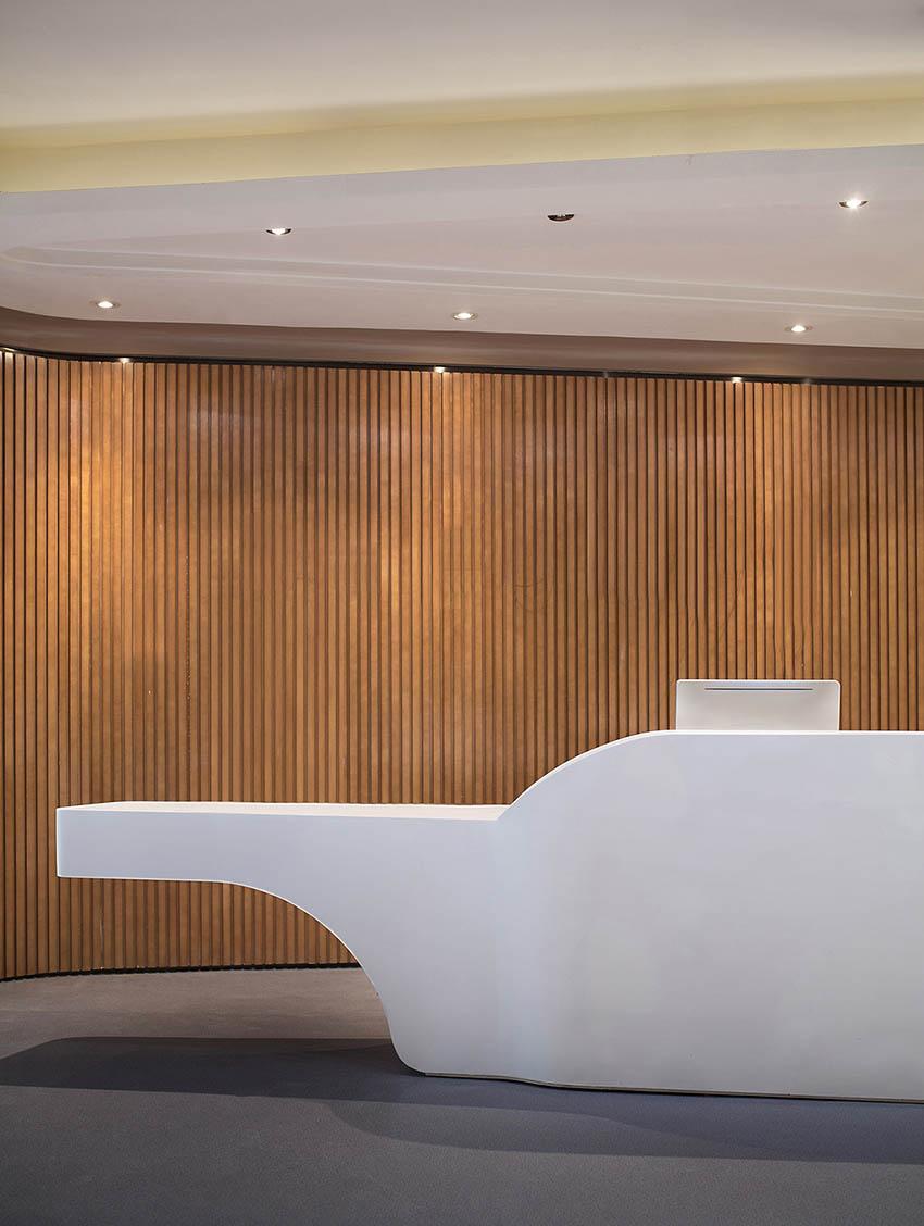 2昆明海伦先生办公空间设计-前台2.jpg
