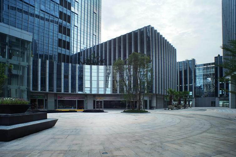 商业广场.JPG
