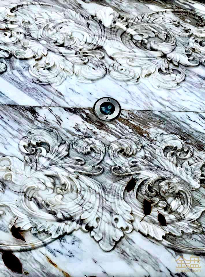 羅馬溫泉區-雕花石凳特色噴口.jpg