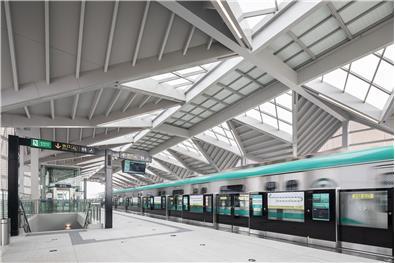 J&A杰恩设计打造最前沿空间一体化设计——青岛地铁13号线