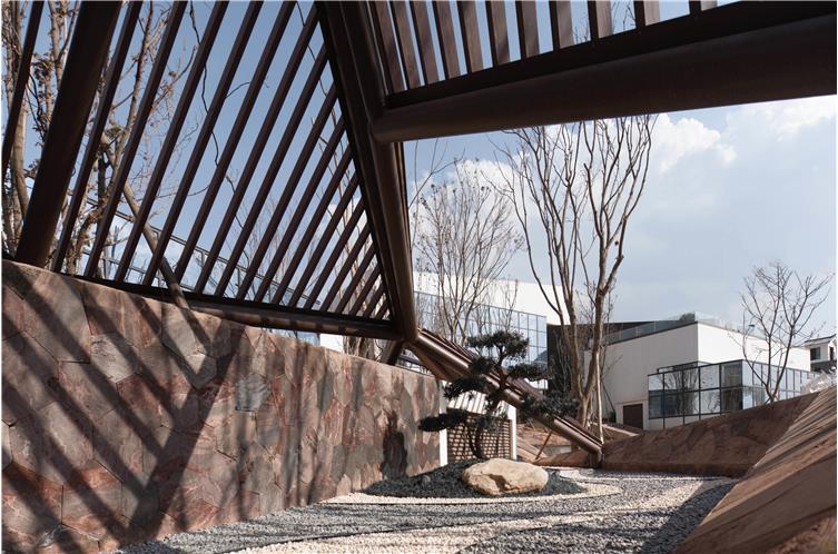 014 生活中心室外廊架实景图.jpg