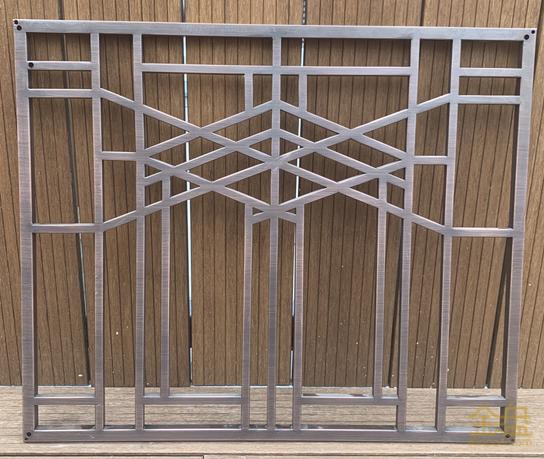 仿铜镂空雕花板