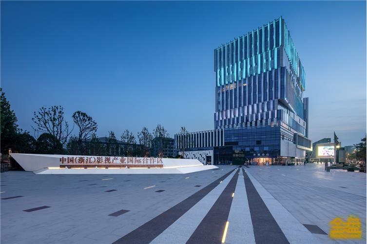 3.2分区设计花形广场.jpg