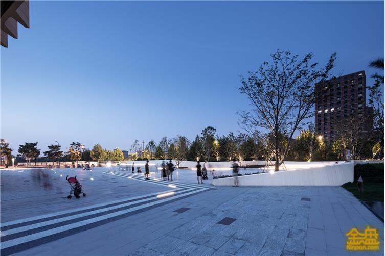 3.5分区设计花形广场.jpg
