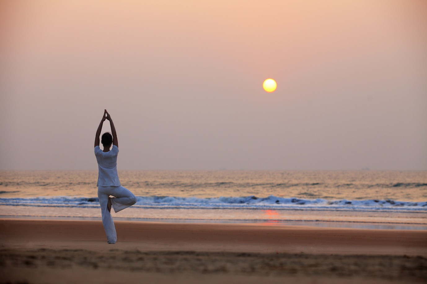 清水湾沙滩瑜伽.jpg