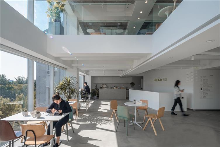 09,三磊LOBBY&三磊咖啡,通高空间通透明亮.jpg