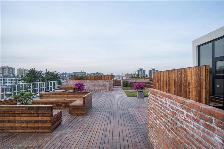12,空中花园,提供一片与城市对话的自由之地.jpg