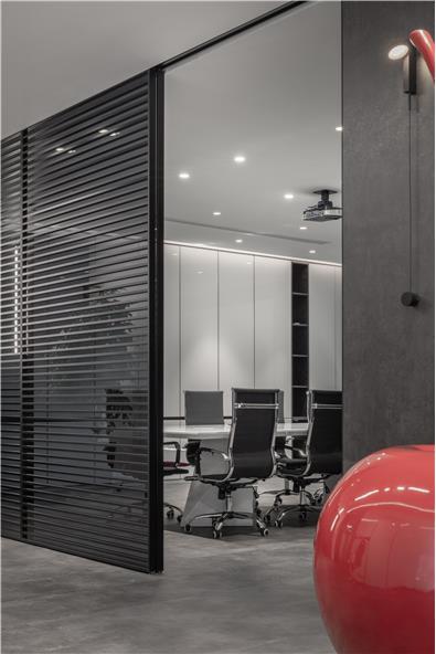 【极简黑白】- 上海启思设计办公空间