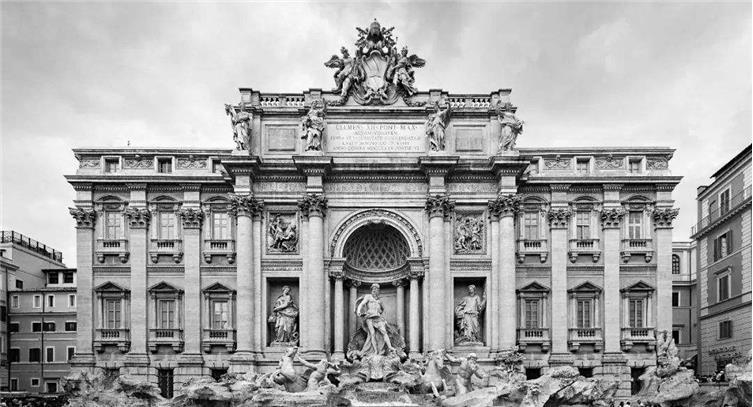 罗马许愿池,古典立面语汇的交织   图片来源于网络.jpg