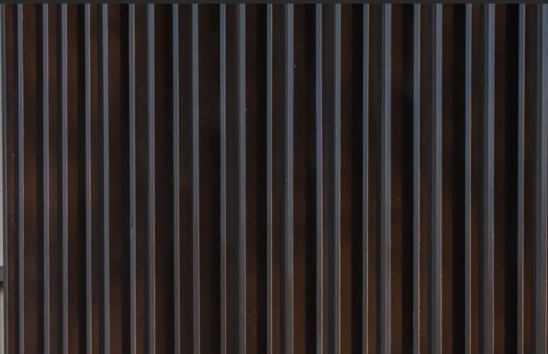 镀锌钢管外喷咖色氟碳漆