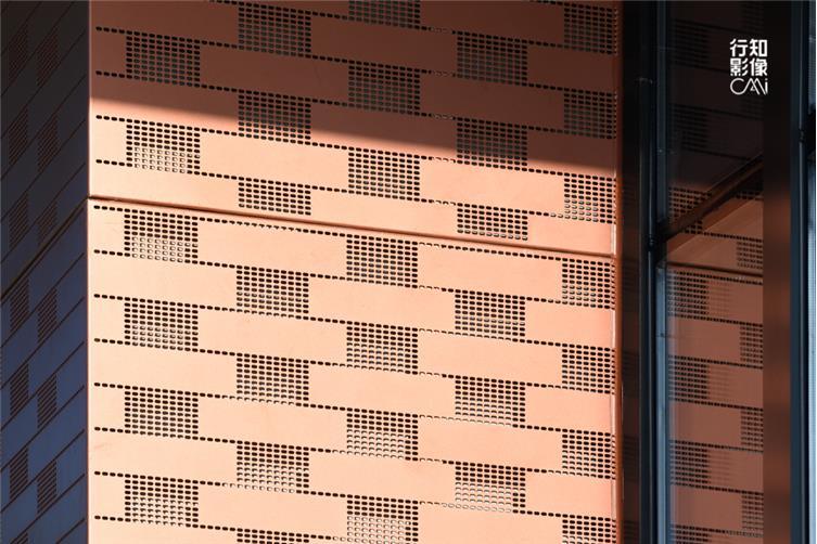 砖红色铝板
