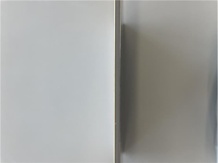 闪银色幻彩复合铝板