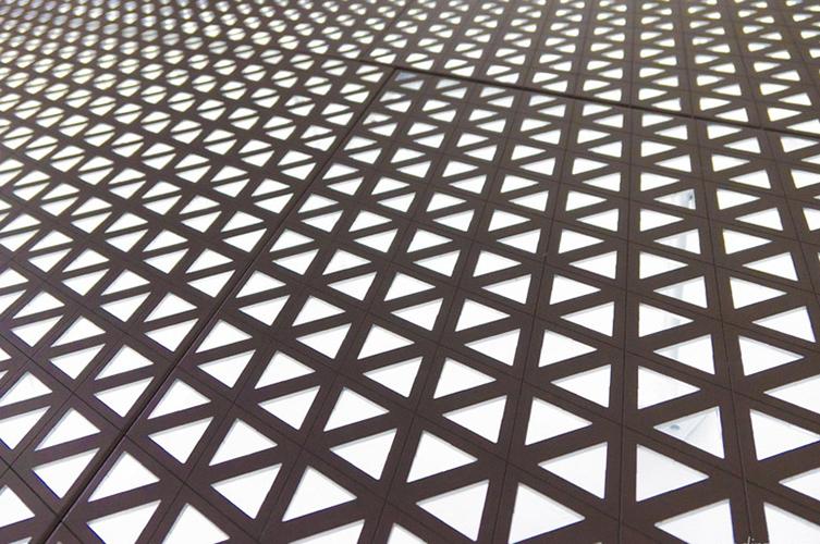 三角形穿孔铝板