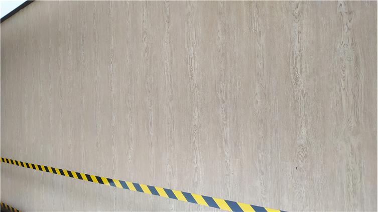 木纹片材地胶