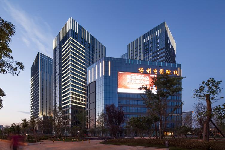 云南昆明融城金阶建筑设计